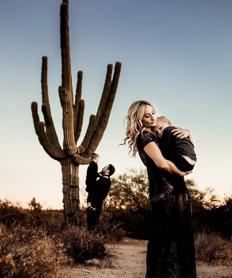 Mom with son in the desert | Stormy Solis Presets