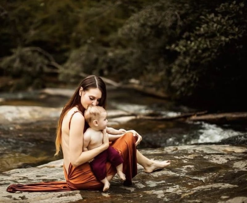 Mom and baby in a river | Learn to shoot like stormy solis