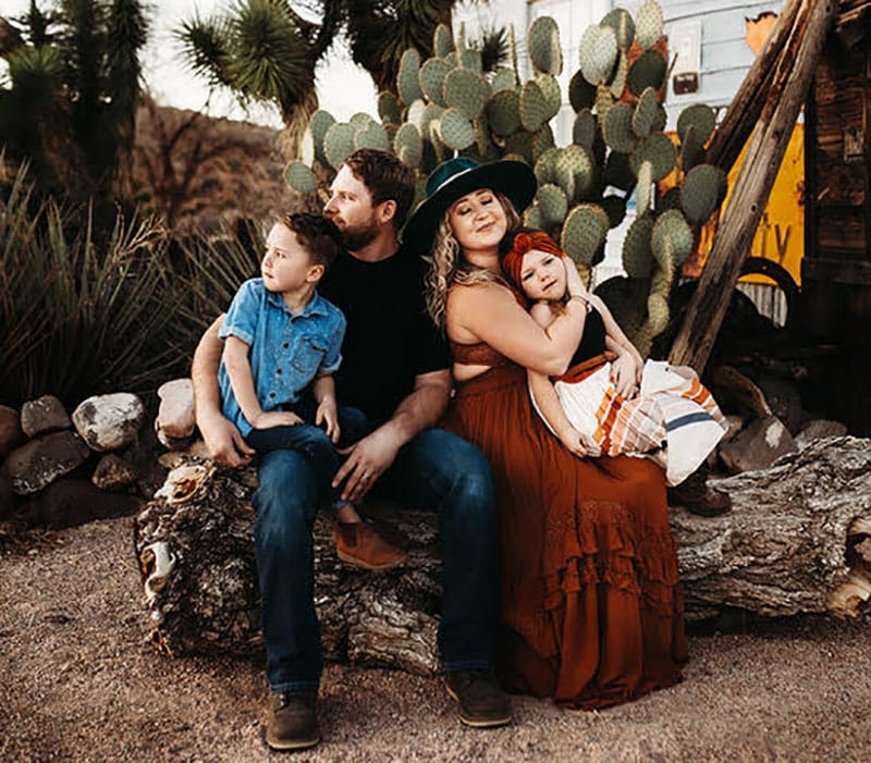 Styled Session Family Photoshoot Route 66 | Stormy Solis presets | Tessa Rae Photography