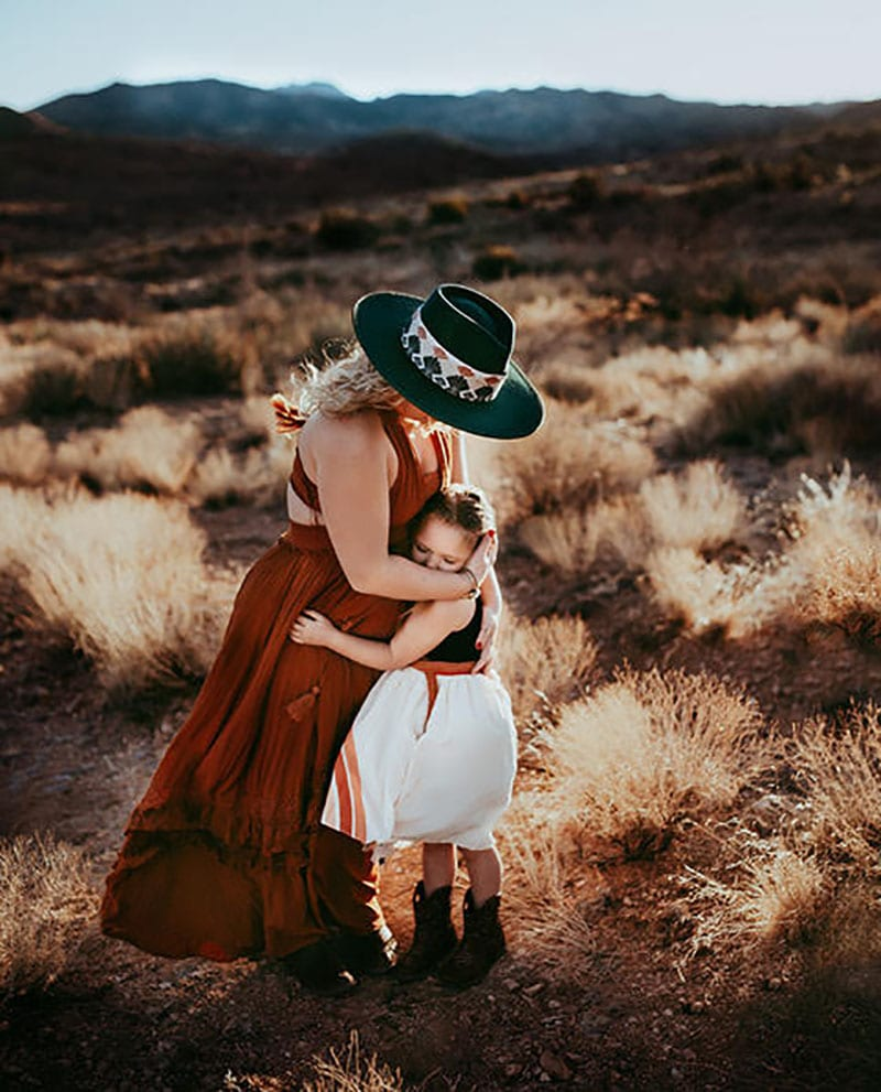 Mother Daughter Photoshoot Desert | Stormy Solis Course | Tessa Rae Photography