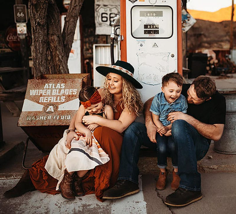 Family Photoshoot Route 66 Gas Station | Stormy Solis course| Tessa Rae Photography