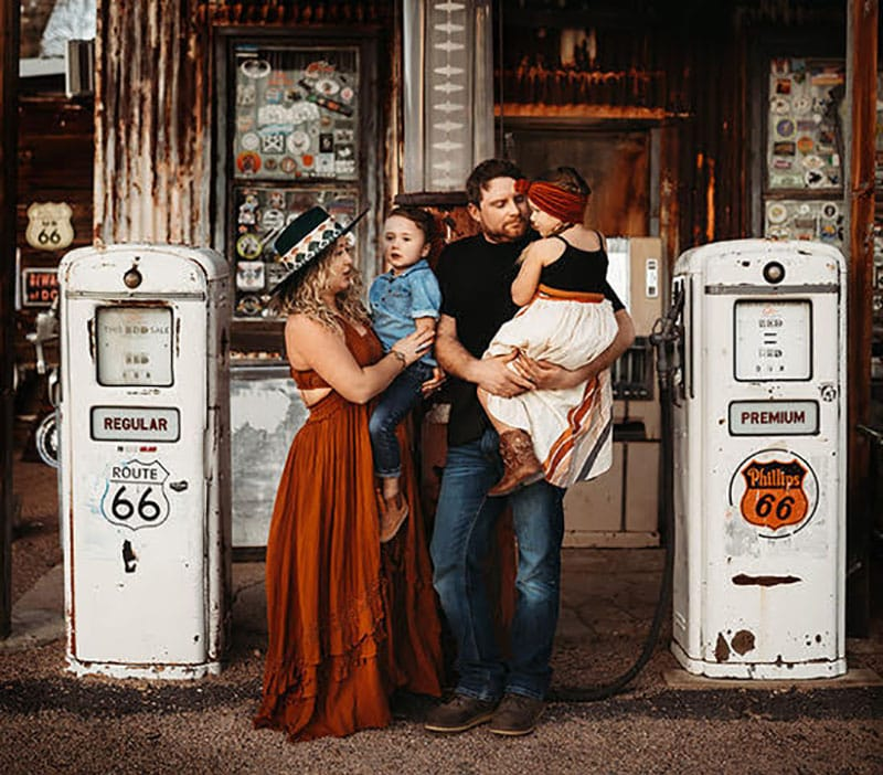 Family Styled Shoot Gas Station Route 66 | Stormy Solis Workshop | Tessa Rae Photography